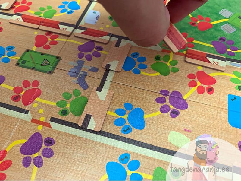 reseña juego de mesa solos en casa puertas